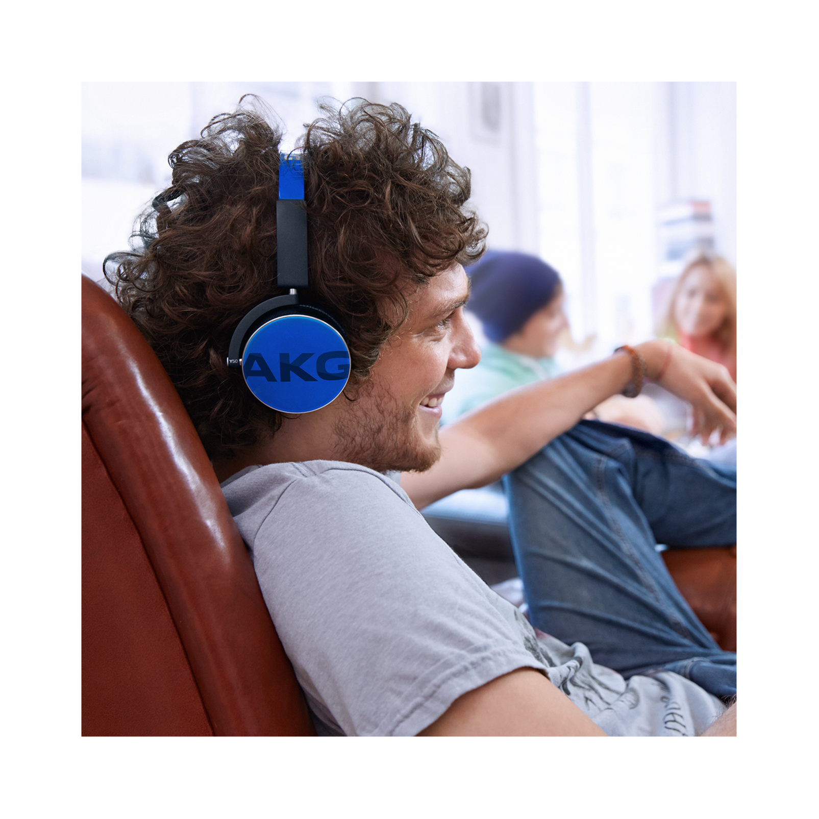 Y50 - Yellow - On-ear headphones with AKG-quality sound, smart styling, snug fit and detachable cable with in-line remote/mic - Detailshot 7