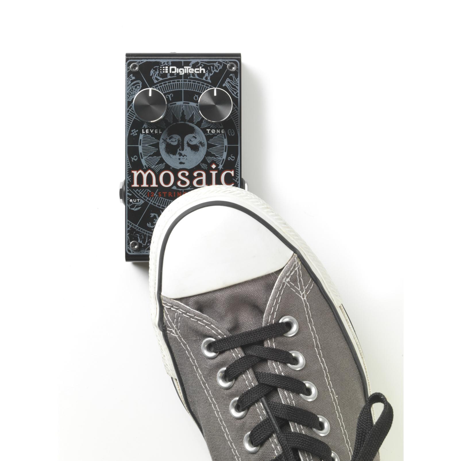 Mosaic - Black - Polyphonic 12-String Effect Pedal - Detailshot 4