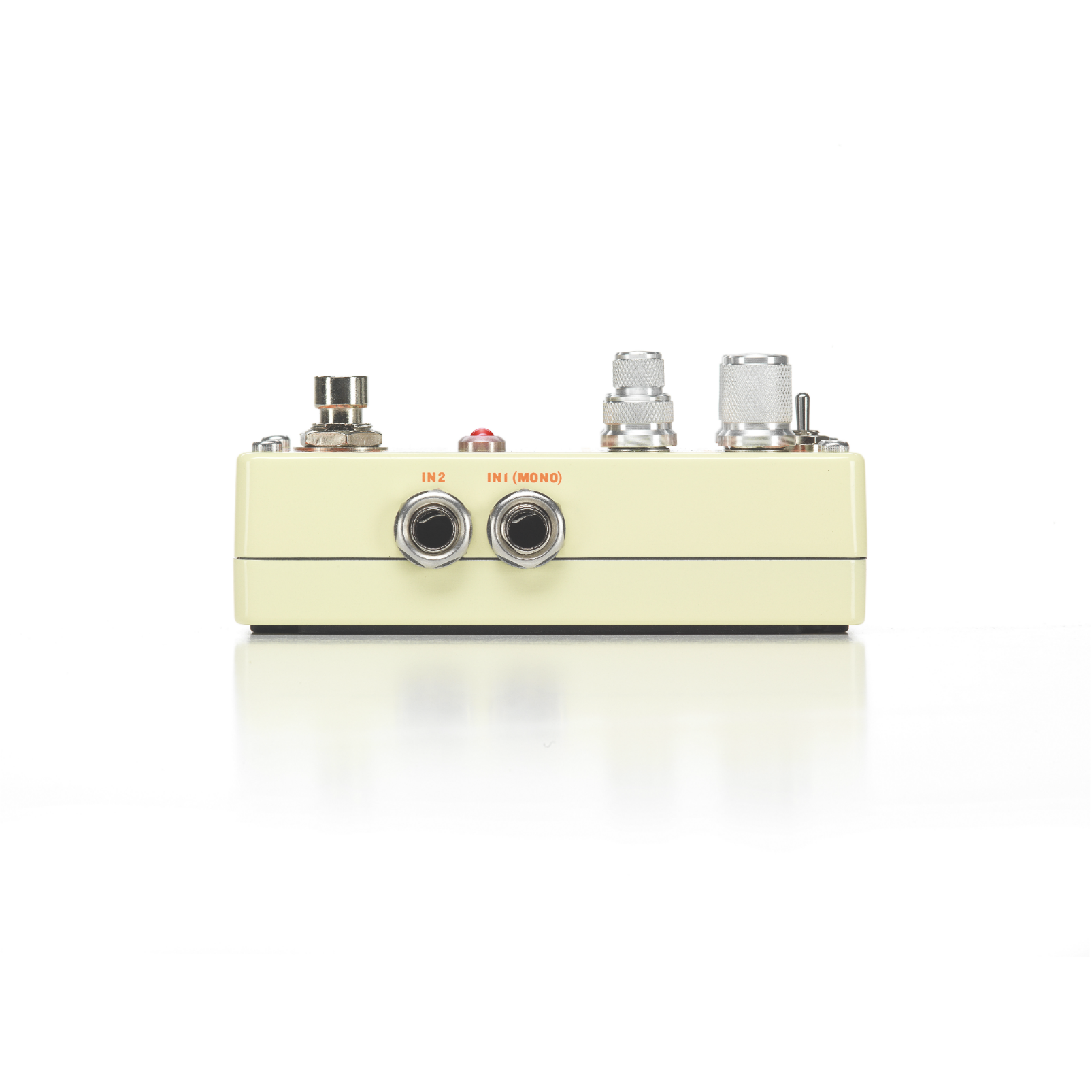 Obscura - Beige - Altered Delay Pedal - Detailshot 1